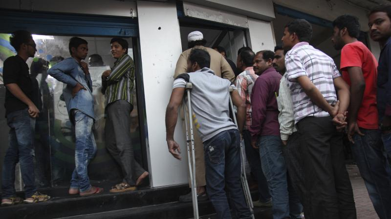 Hyderabad: Midnight is best time to stand in queues at ATMs