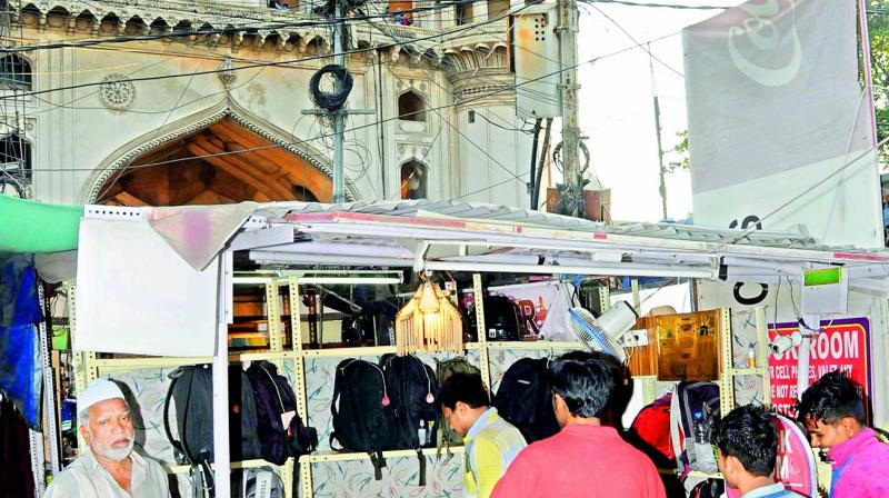 Tourists demand cloak room at Charminar