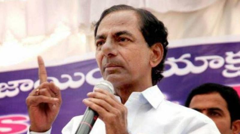 Cong demands public apology from KCR over poor quality of 'Bathukamma saris'