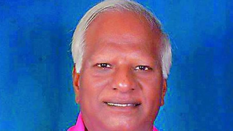 Get central institutes to state, Kadiyam Srihari dares Telangana BJP unit