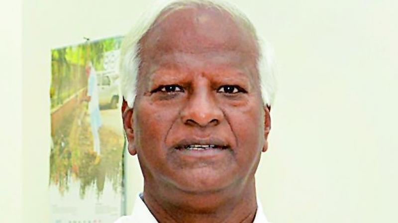 Kadiyam Srihari puts onus on courts to stop fee loot