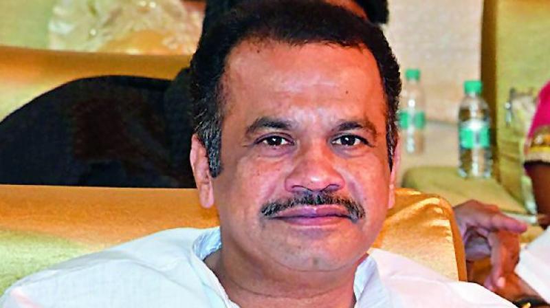 Nawaz Sharifs fate for KCR family: Komatireddy Venkat Reddy