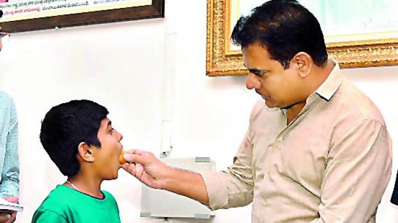KT Rama Rao all praise for student for invention