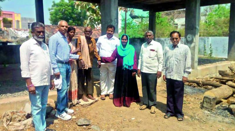 Warangal: Locals rally to give homeless man home