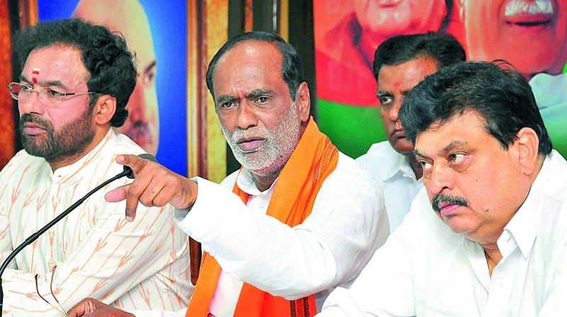 KCR busy with family issues, says JP Nadda