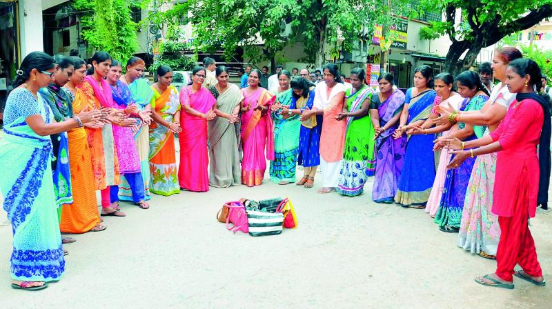 RTC women staff take to the streets, air woes